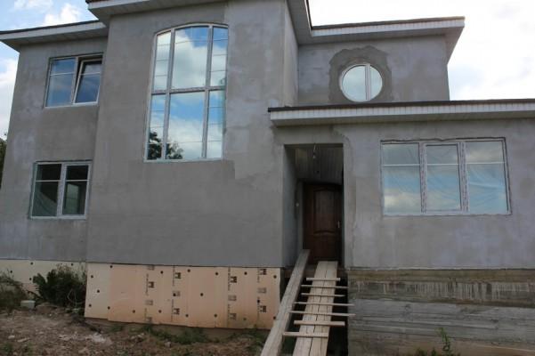 Лицевая сторона дома